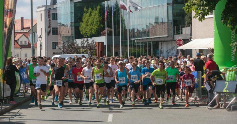 Vikend poln tekaških prireditev